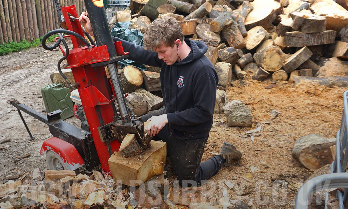 Log splitting